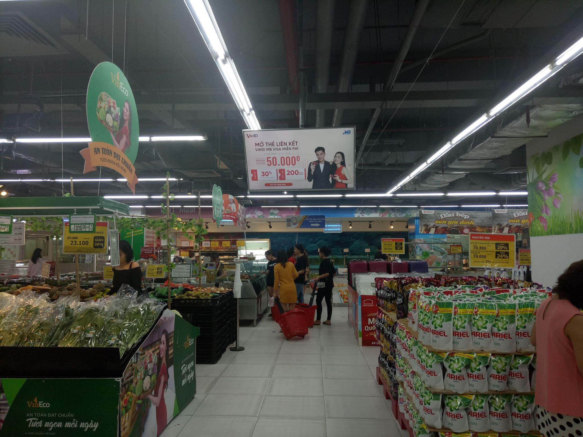 quảng cáo màn hình lcd frame trong siêu thị