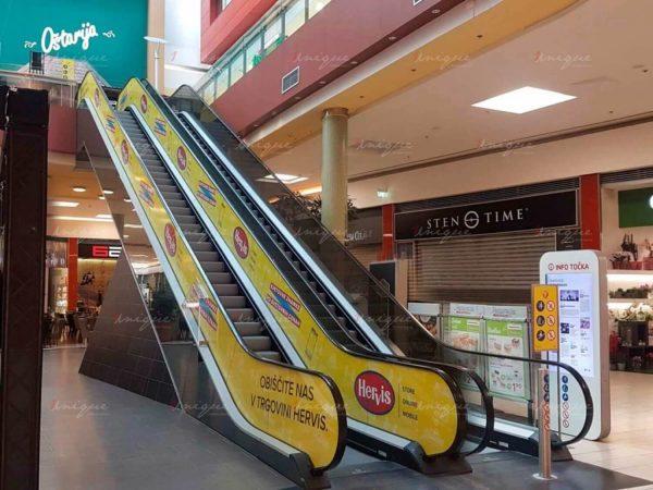 quảng cáo thang cuốn tại siêu thị