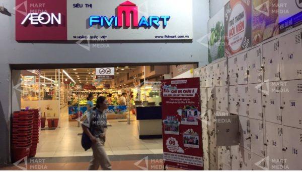quảng cáo trên standee siêu thị
