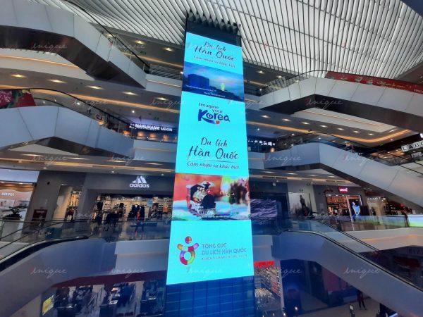 quảng cáo tại trung tâm thương mại